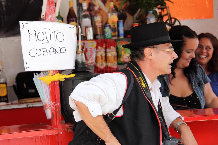 http://kvipic.ru/Fiestas/RomeriaShow/005.jpg
