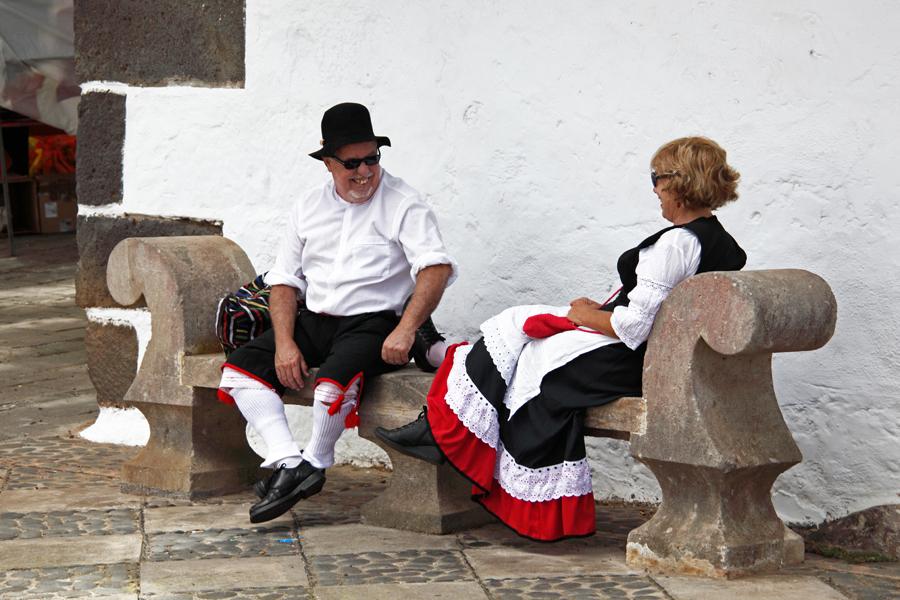 http://kvipic.ru/Fiestas/RomeriaShow/011.jpg