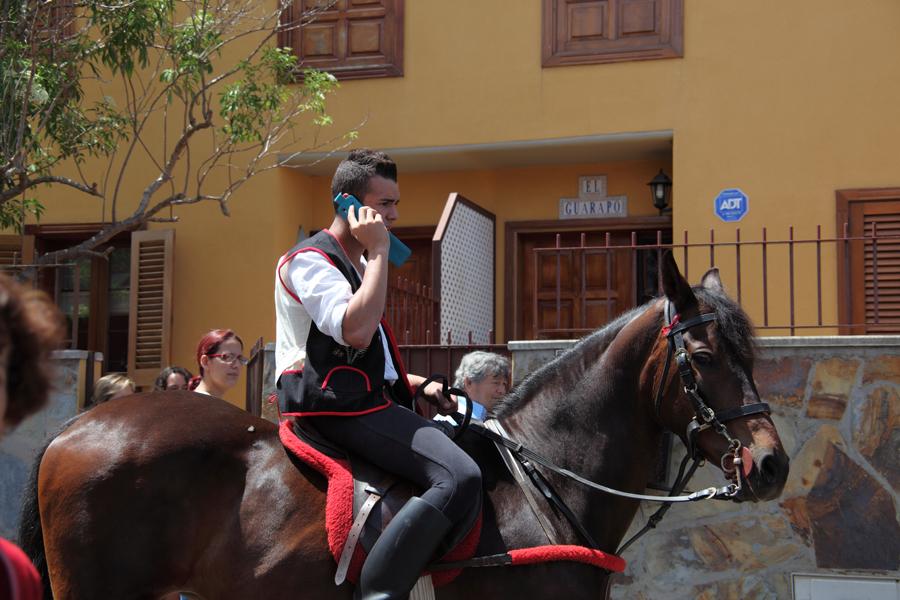 http://kvipic.ru/Fiestas/RomeriaShow/014.jpg