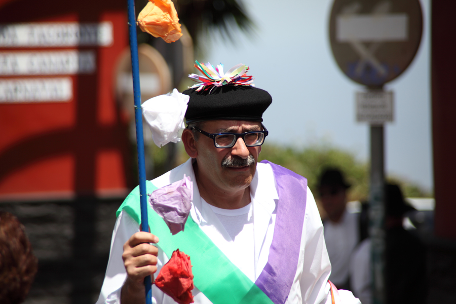 http://kvipic.ru/Fiestas/RomeriaShow/017.jpg