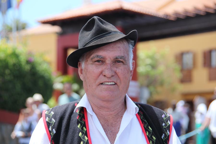 http://kvipic.ru/Fiestas/RomeriaShow/022.jpg