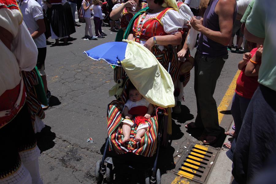 http://kvipic.ru/Fiestas/RomeriaShow/026.jpg