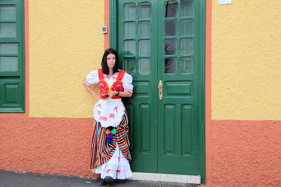 http://kvipic.ru/Fiestas/RomeriaShow/028.jpg