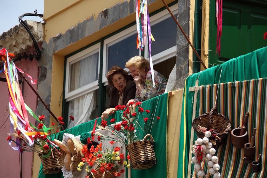 http://kvipic.ru/Fiestas/RomeriaShow/030.jpg