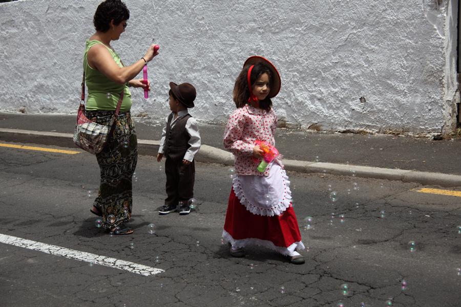 http://kvipic.ru/Fiestas/RomeriaShow/034.jpg