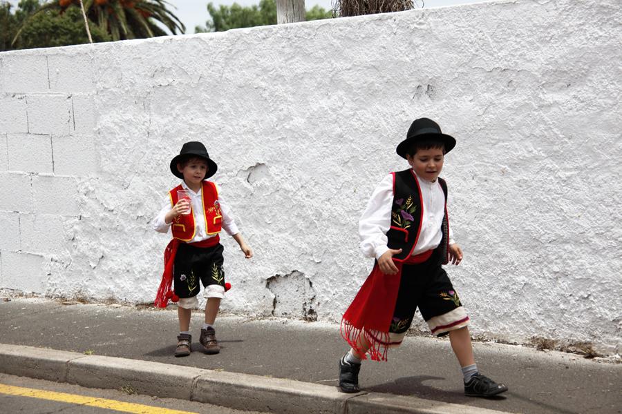 http://kvipic.ru/Fiestas/RomeriaShow/035.jpg