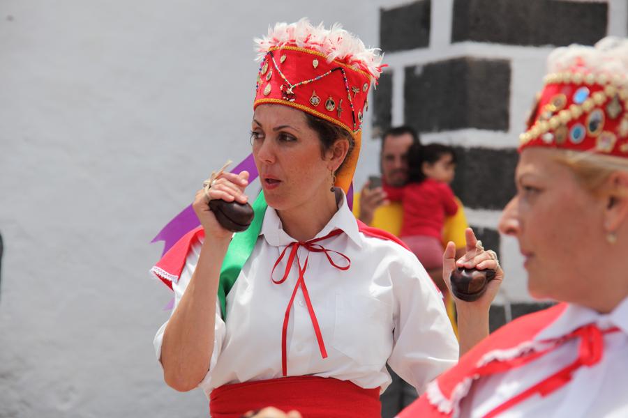 http://kvipic.ru/Fiestas/RomeriaShow/045.jpg