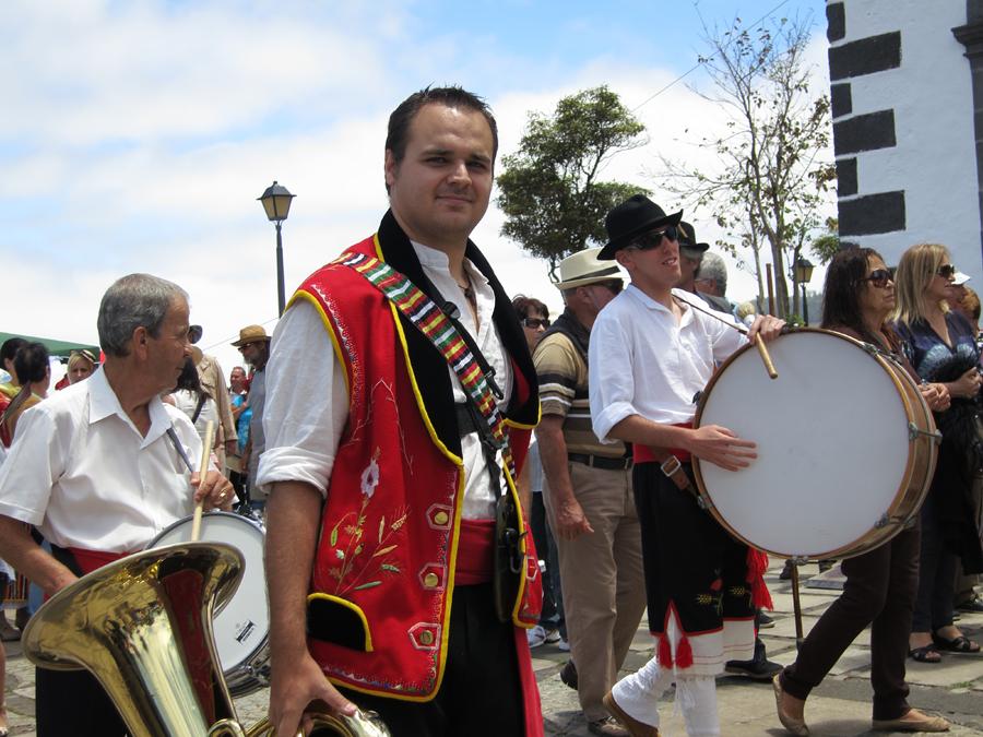 http://kvipic.ru/Fiestas/RomeriaShow/046.jpg