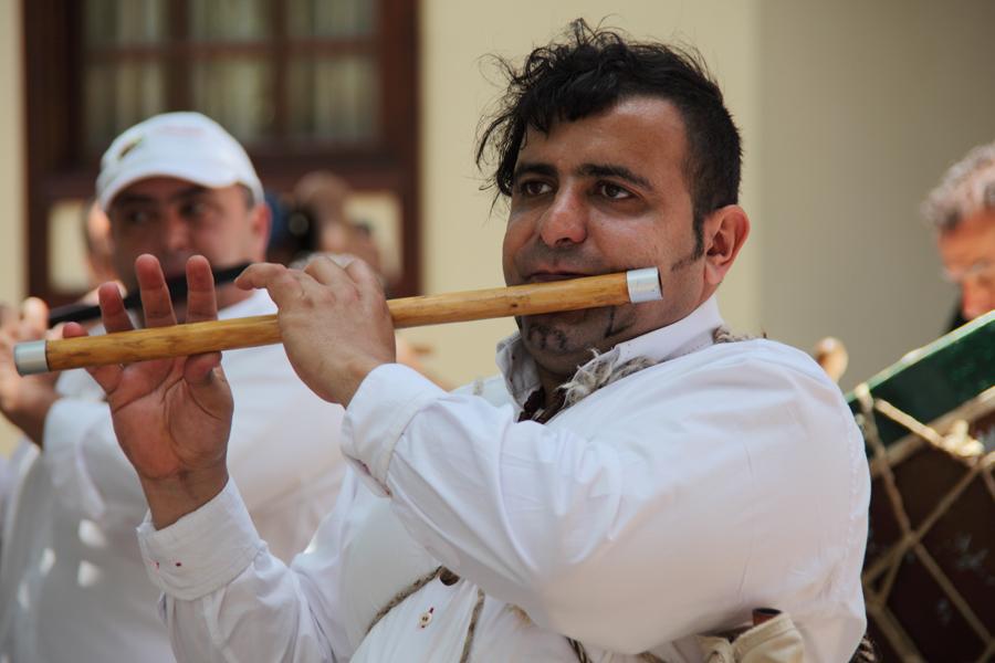 http://kvipic.ru/Fiestas/RomeriaShow/049.jpg