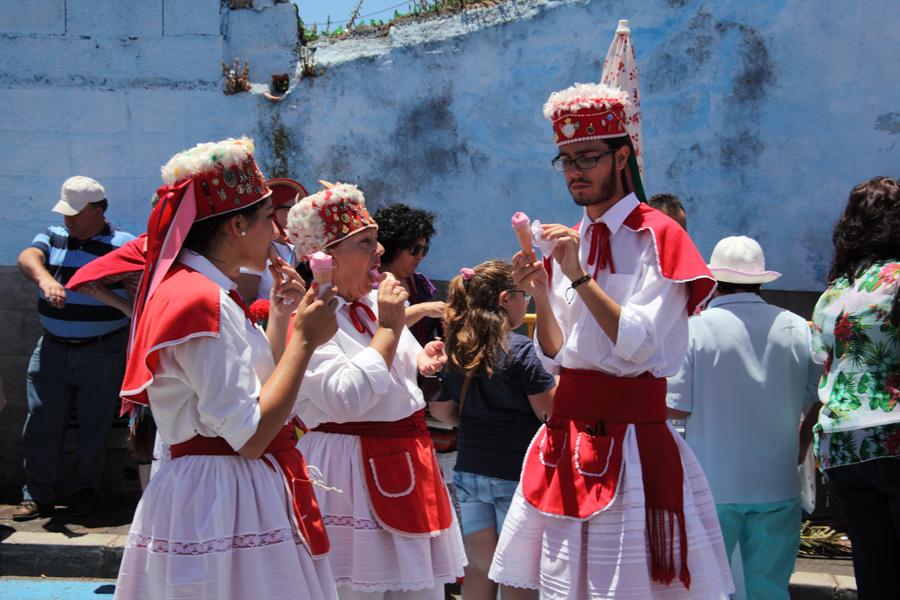 http://kvipic.ru/Fiestas/RomeriaShow/059.jpg