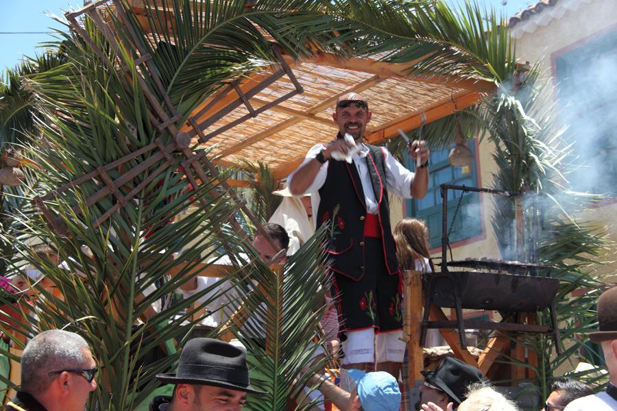 http://kvipic.ru/Fiestas/RomeriaShow/070.jpg