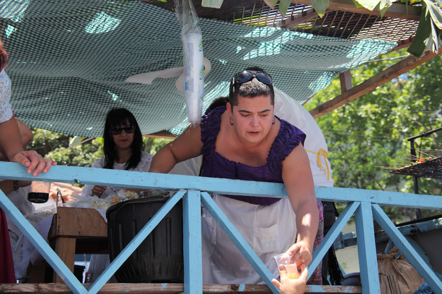 http://kvipic.ru/Fiestas/RomeriaShow/073.jpg
