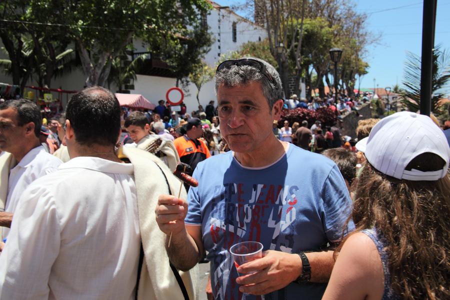 http://kvipic.ru/Fiestas/RomeriaShow/076.jpg