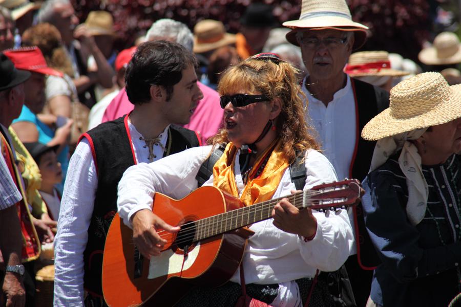http://kvipic.ru/Fiestas/RomeriaShow/085.jpg