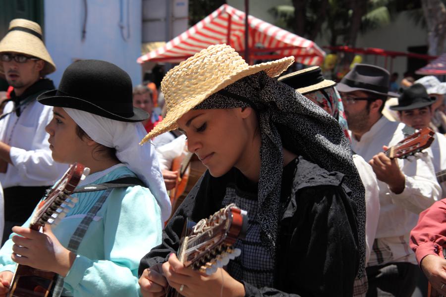 http://kvipic.ru/Fiestas/RomeriaShow/086.jpg