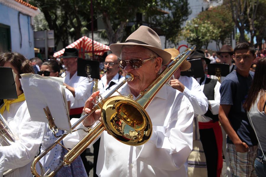 http://kvipic.ru/Fiestas/RomeriaShow/088.jpg
