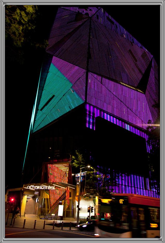 http://kvipic.ru/Singapore/SingaporeShow/007.jpg