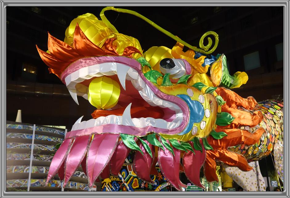 http://kvipic.ru/Singapore/SingaporeShow/011.jpg
